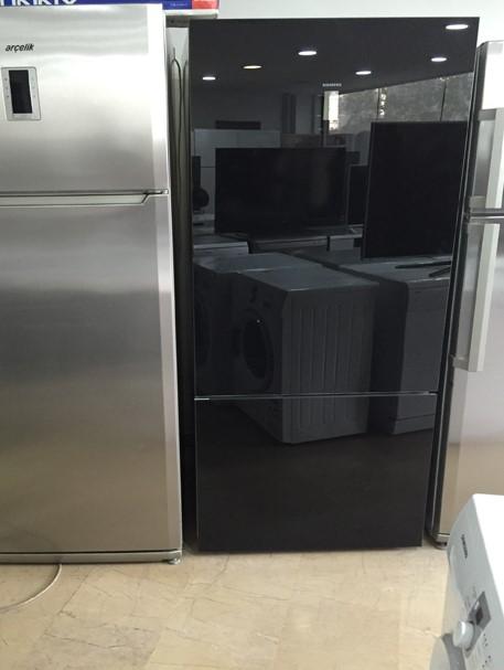 Siyah buzdolabı sorunsuz 250 lira