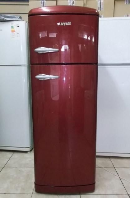 Kırmızı buzdolabı sadece 170 lira